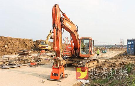 挖掘机属具-振动夯